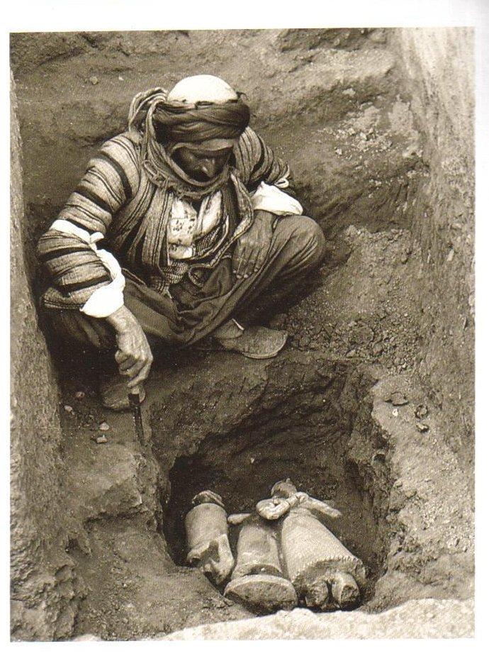 Examining Sumerian Statues, Tell Asmar, Iraq Postcard
