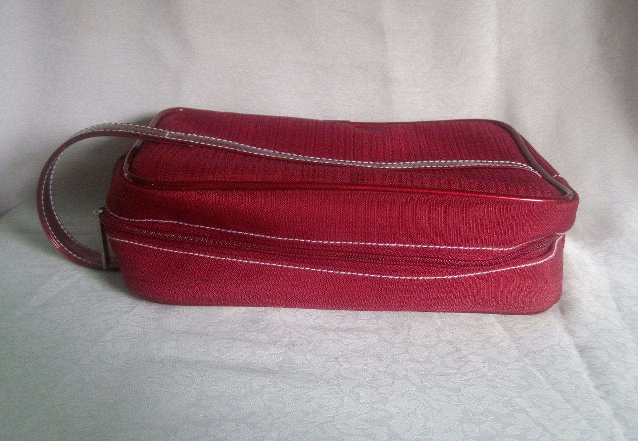 Image 2 of Estee Lauder Red Cosmetic Makeup Bag