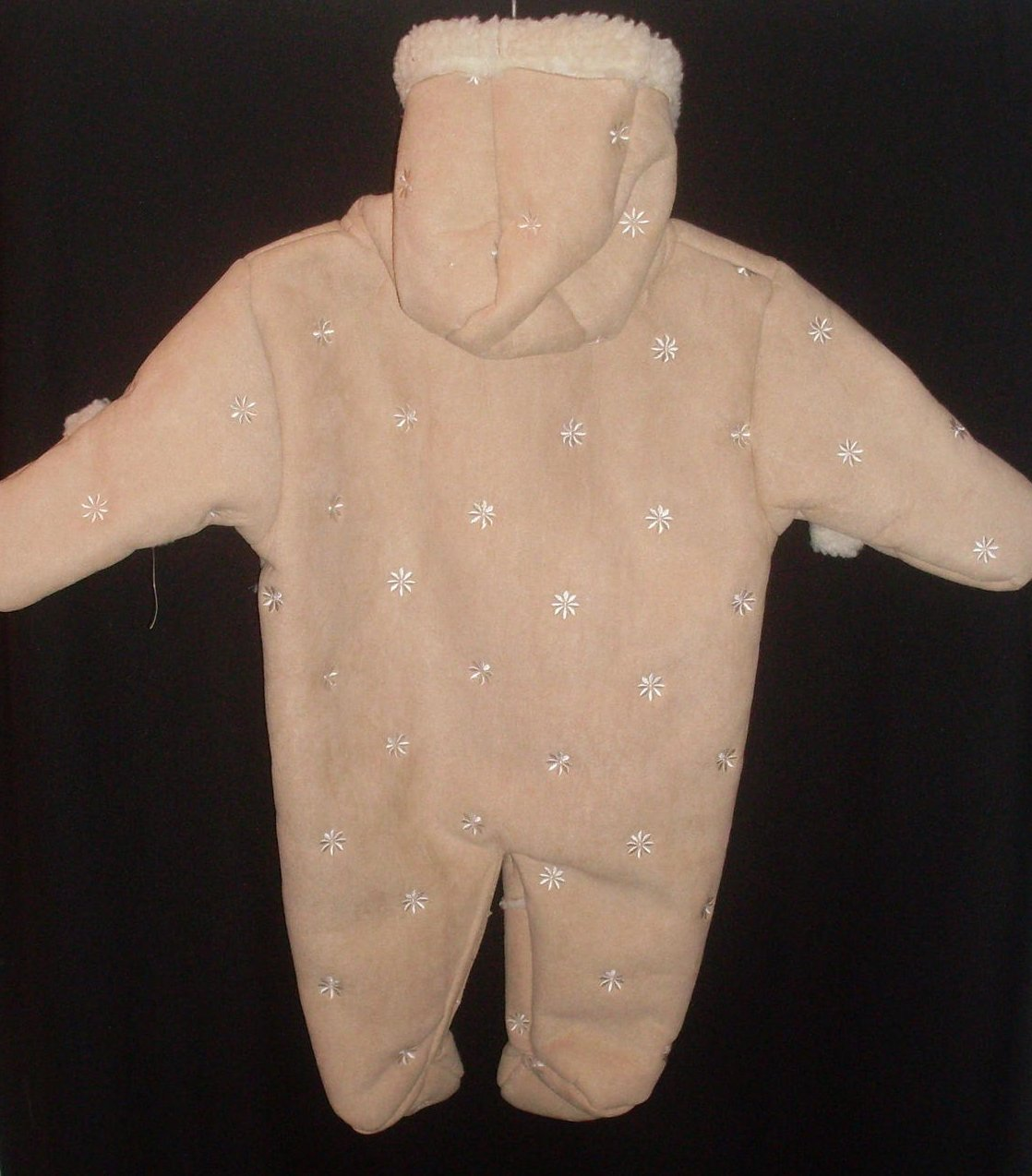 '.Pram Suit Infant Girl 0-3 Mo.'