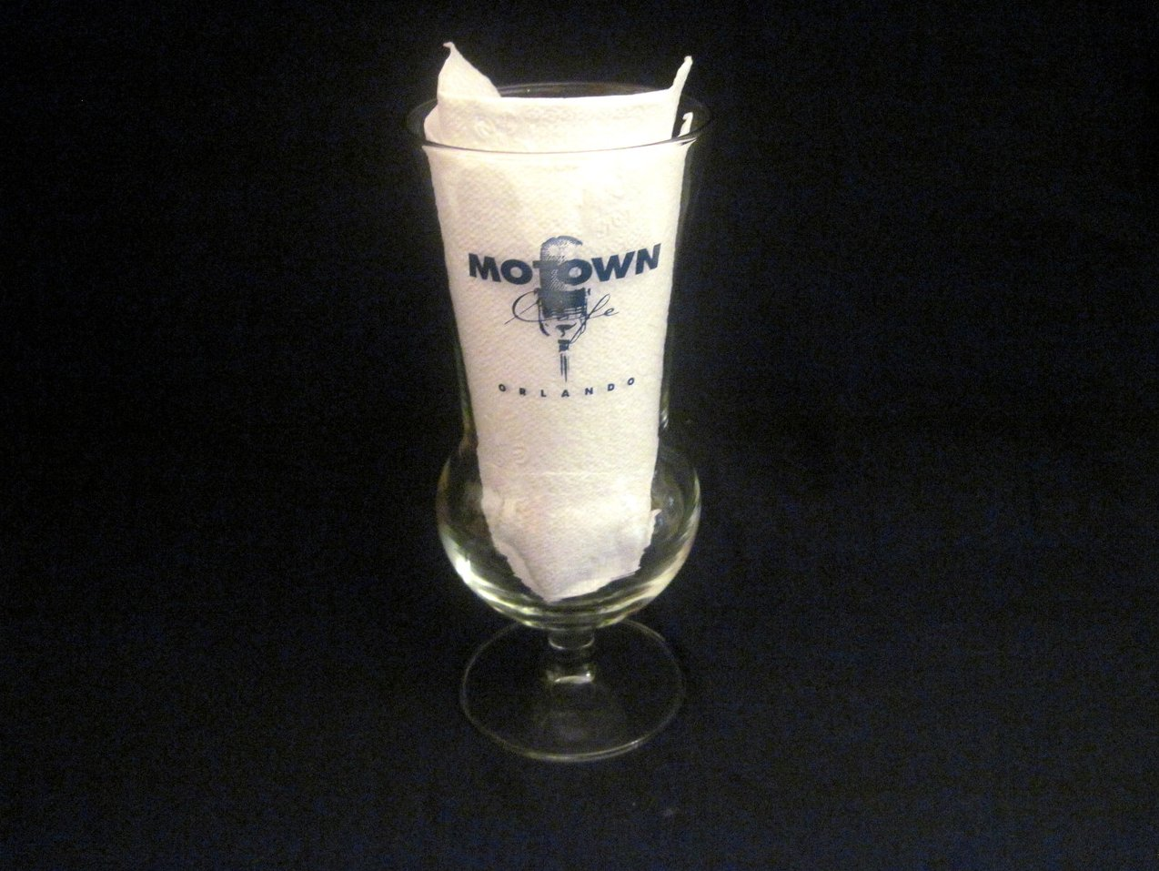 Motown Cafe Collectible Hurricane Glass 18 oz