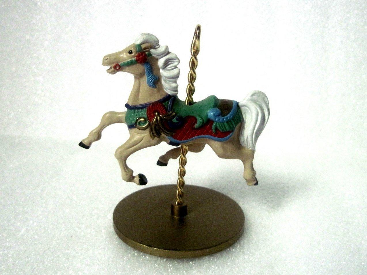 '.Ginger Christmas Carousel Hors.'