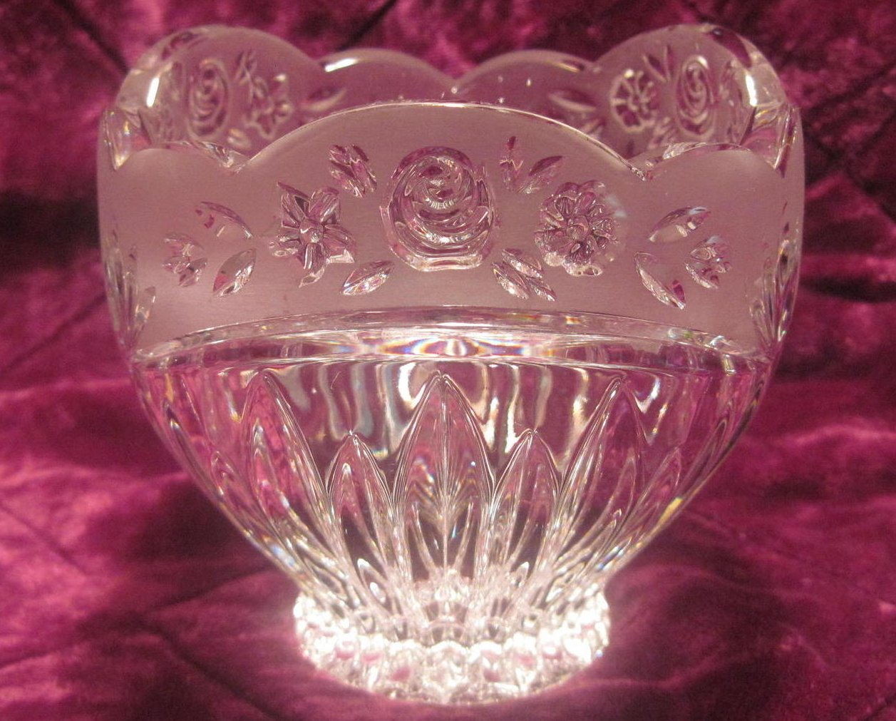 Oneida Crystal Southern Garden Potpourri Candle Holder