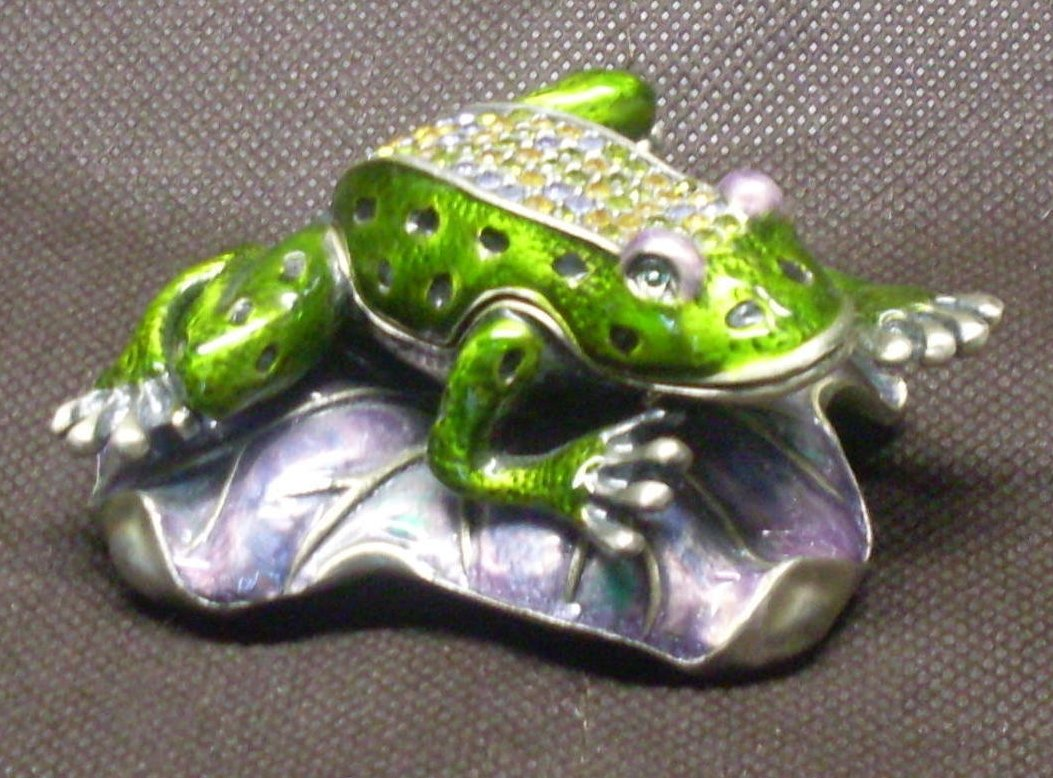 '.Jeweled Frog Trinket Box.'