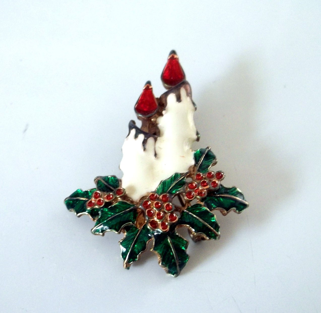 Christmas Pin Brooch Candles Enamel Over Gold Vintage Ladies Fashion