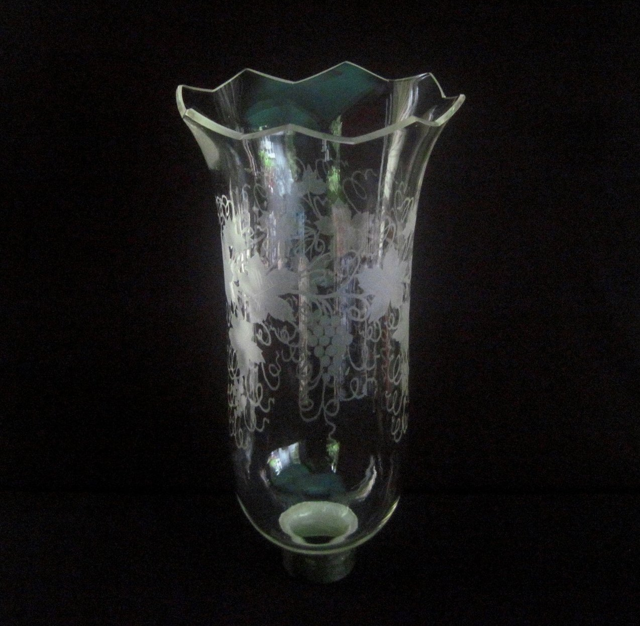 Image 0 of Glass Hurricane Shade 1.75 inch fitter x 11 h Grapevines XL Jagged