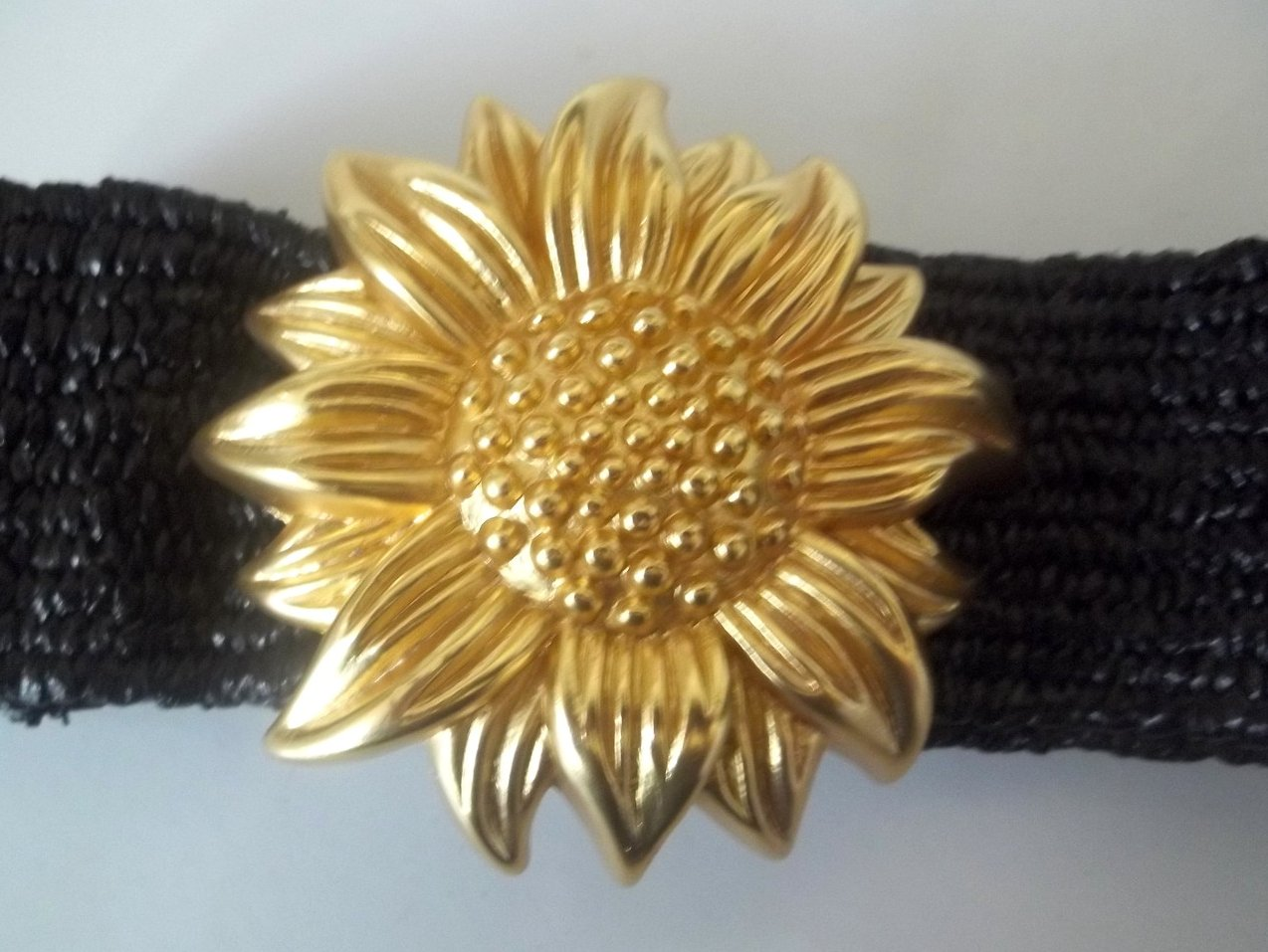Vintage Ladies Fashion Belt Heavy Golden Sunflower Black 32 x 2