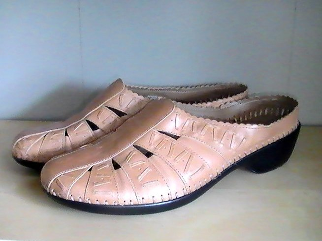 Easy Spirit Tan Leather Mule Slip On 6.5 Whip Stitching Design Casual