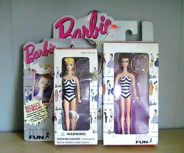 '.Barbie Doll Key Ring Vintage.'