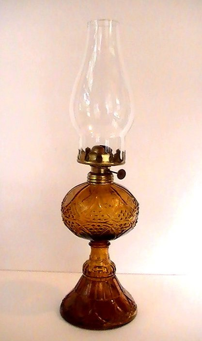 Vintage Pedestal Oil Lamp Amber Hobnail and Arches 16.5 inch