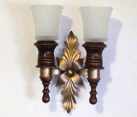 '.Wood and Brass Wall Sconce.'