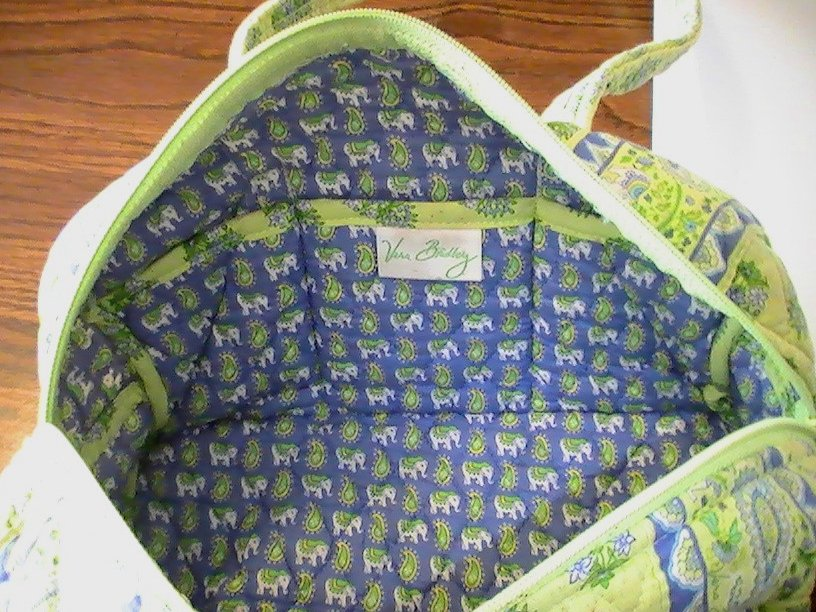 Image 4 of Vera Bradley Duffle Shoulder bag Citrus Green with matching Coin Purse Green