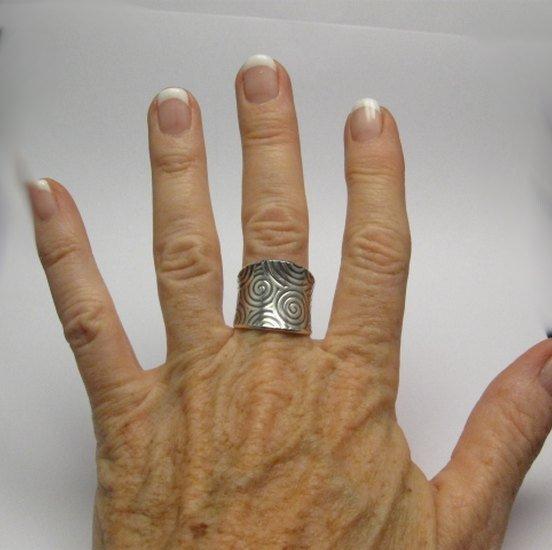 Image 2 of Wide Navajo Native American Sterling Silver Ring sz7-1/2, Bryan Joe