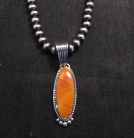 Image 0 of Native American Navajo Spiny Oyster Pendant, Geneva Apachito