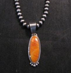 Native American Navajo Spiny Oyster Pendant, Geneva Apachito