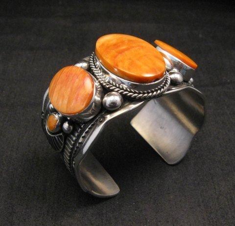 Image 2 of Navajo Native American Spiny Oyster Sterling Silver Bracelet, Guy Hoskie