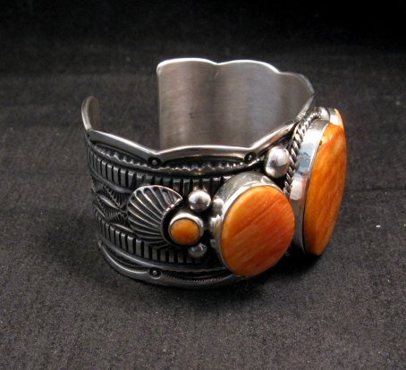 Image 3 of Navajo Native American Spiny Oyster Sterling Silver Bracelet, Guy Hoskie
