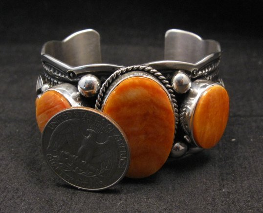 Image 5 of Navajo Native American Spiny Oyster Sterling Silver Bracelet, Guy Hoskie