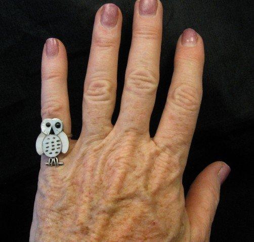 Image 1 of Zuni Indian Ring Snowy Owl Mother-of-Pearl Size 5-1/4, Reginda Kallestewa