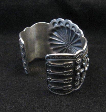 Image 4 of Darrell Cadman Navajo Kingman Birdseye Turquoise Silver Bracelet