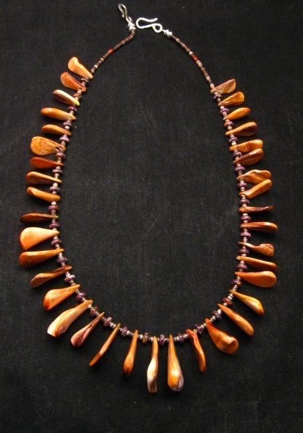 Image 0 of Unique Everett & Mary Teller Navajo Lions Paw Shell Necklace