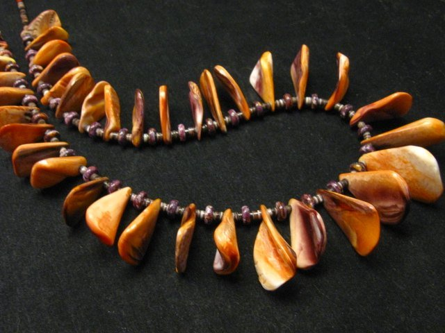 Image 10 of Unique Everett & Mary Teller Navajo Lions Paw Shell Necklace