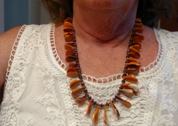 Image 2 of Unique Everett & Mary Teller Navajo Lions Paw Shell Necklace