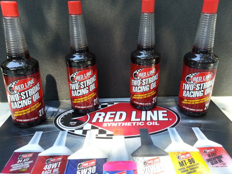 Image 0 of Red Line Synthetic racing oil (1) 16oz bottle