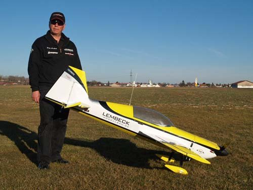 Image 1 of Extra 330L 90.6