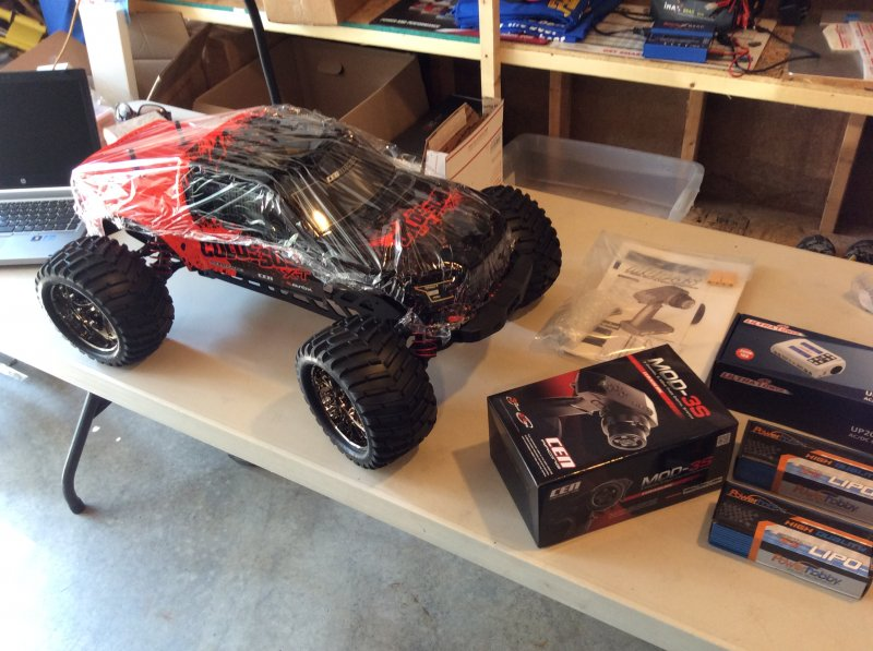 Image 0 of Colossus XT Mega Monster Truck RTR, COMBO package EVERYTHING included
