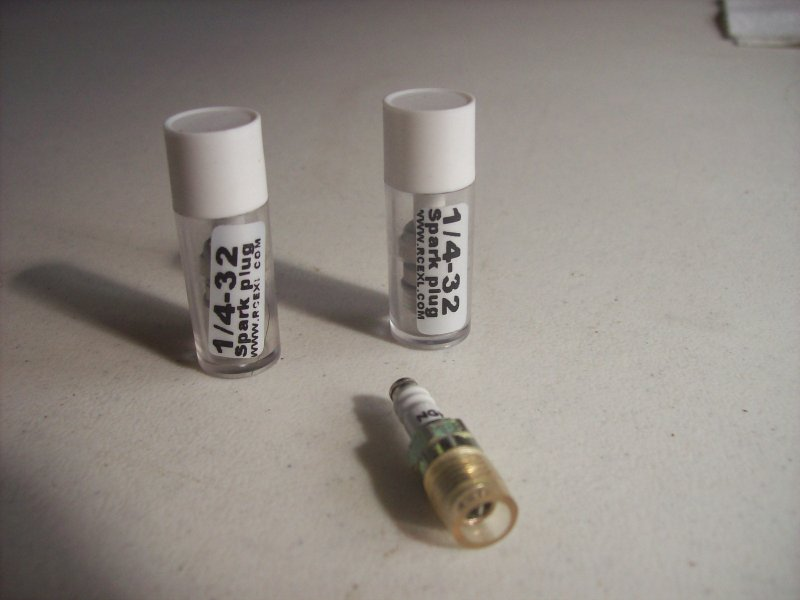 Image 0 of 1/4 32 spark plugs