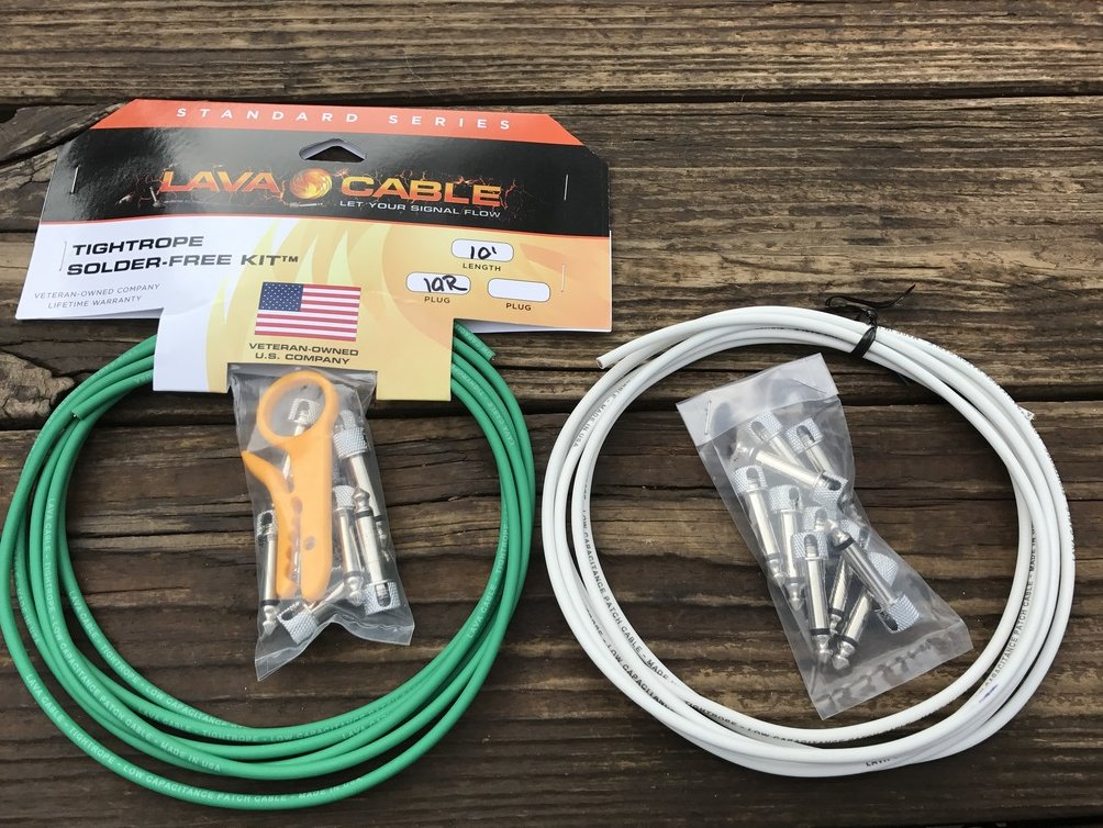 LAVA Solder-Free XL Pedalboard Kit 20ft Cable 20 RA V2 Plugs - GREEN & WHITE