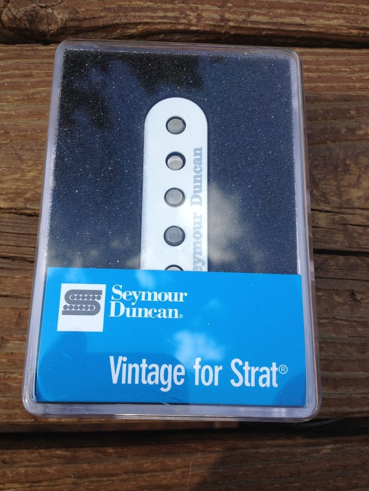 Image 0 of Seymour Duncan SSL-1 RWRP Alnico V Vintage Staggered Strat Middle Pickup