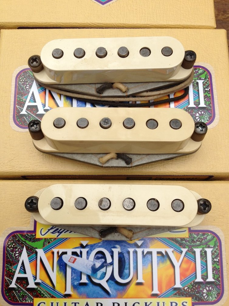 Image 0 of Seymour Duncan Antiquity II 60's Surfer for Strat Pickup Set Single Coil